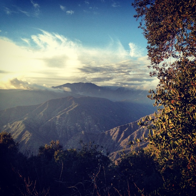 hiking-san-gabriel-mountains-azusa-peak-california-fitness-outdoors-nature